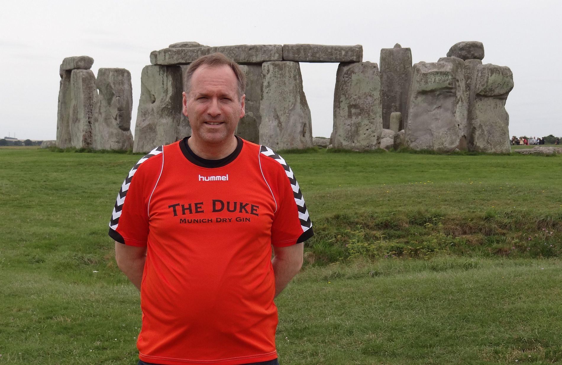 Sambakicker bei Stonehenge